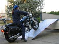 Protišmykové širšie nájazdy pre motorky a iné stroje