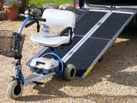Trikrát zložiteľné prenosné nájazdy pre invalidné vozíky